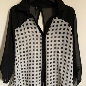 Maurices blouse black and white size large new